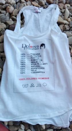 Camiseta Dolores Promesas sobre piedras