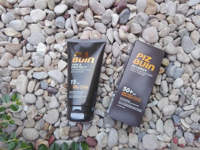 Protector solar facial (crema rostro piel sensible 50+ SPF) y la loción solar intensificadora del bronceado 15 SPF